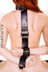 Contrainte dorsale Neck-to-Wrist - Contrainte dorsale en cuir épais pour relier le cou aux poignets.