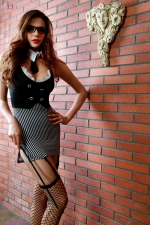 Déguisement sexy maitresse d'école - Déguisement ultra sexy de maîtresse d'école (6 pièces) pour mener vos élèves à la baguette. Marque Paris Hollywood.