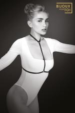 Harnais de corps Pamela - Style Fetish et Glamour avec ce harnais de corps élastique de la marque Bijoux pour toi.