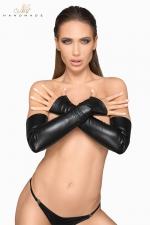 Gants longs faux cuir F213 - Des gants longs en faux cuir mat, avec une finition mitaine qui souligne la beauté des mains.