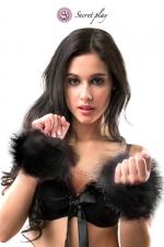 Menottes marabou noir - Secret Play - Paire de menottes en plumes synthétiques noires avec chainette en métal pour vos jeux de rôle coquins, marque Secret Play.