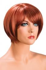 Perruque Mia rousse - Perruque rousse aux cheveux courts en carré avec mèche ayant un aspect actuel.